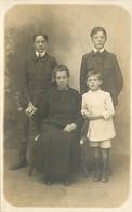 Carte Photo - Famille - CPA - Voir Scans Recto-Verso - Fotografie