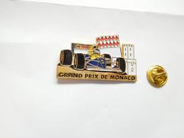 Superbe Pin's Pins En Relief , Auto Williams Renault F1 , Carburant ELF , Grand Prix De Monaco , Photo Canon - F1