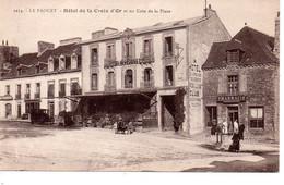 Cpa Le Faouet Hotel De La Croix D'or Et Un Coin De La Place - Le Faouet