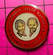 1215B Pin's Pins / Beau Et Rare / THEME : VILLES / BELGIQUE BRAINE LE COMTE COUPLE DE VIEUX PENSIONNES JOSEPH MARTEL - Cities