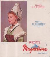 Buvard Biscottes Magdeleine De Granville Coiffes De Normandie Région De Conches Eure N° 20 - Zwieback