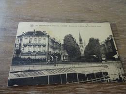 Laeken Avenue De La Reine ,vue De Pont Du Canal - Laeken