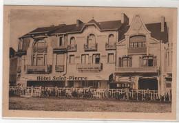 CPA 85 : LES SABLES D'OLONNE - Hôtel Saint-Pierre - Vue Prise De La Plage - Voiture - Sables D'Olonne