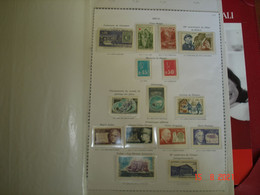 FRANCE   ALBUM CONTENANT TIMBRES,BLOCS FEUILLETS,CARNETS NON PLIES, NEUFS LUXE      TRES BELLE COTE - Collections (with Albums)