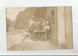 GROSSOUVRE (CHER) CARTE PHOTO AVEC MILITAIRES FRANCAIS AU CHATEAU SERVANT D'HOPITAL MILITAIRE 1915 - Sonstige Gemeinden