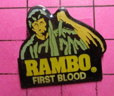 810g Pin's Pins / Beau Et Rare / THEME : CINEMA  / FILM STALLONE RAMBO FIRST BLOOD But Not The Last Hélas ! - Kino