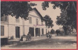 33 - SAINT MEDARD DE GUIZIERES---La Mairie Et Le Groupe Scolaire--Route De Coutras--animé - Other Municipalities