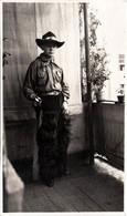 Photo Originale Déguisement & Portrait De Jeune Cowboy Vers 1920/30 - Western & Panoplie - Personnes Anonymes