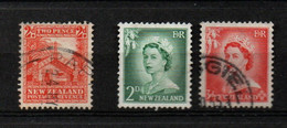 NOUVELLE ZELANDE - 3 VIGNETTES - 2 X ELIZABETH II - 1954.57 - ET 1 MAISON MAORI - 1935 - Used Stamps
