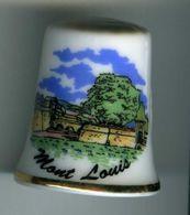 Dé à Coudre De Collection En Porcelaine - Mont-Louis (Pyrénées Orientales) - Dés à Coudre