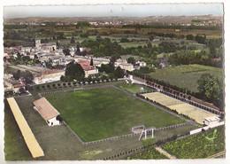 BARSAC  EN GIRONDE  LE STADE DE FOOTBALL  CARTE  CIRCULEE - Other Municipalities