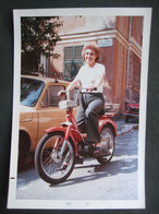 AUTO EPOCA VINTAGE CAR VOITURE MOTO MOTORINO BOXER MOTOCICLETTA MOTORBYKE FEMME DONNA WOMAN - Automobile