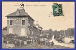 ***TRES RARE CPA 59 BERTEN (BERTHEN) - L'Ecole Et La Côte De Boëschèpe - Other Municipalities