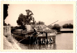 """Photo Originale La Péniche """" 49 MBL """" Au Passage D'une écluse, Batelier, Marinier à La Perche - Batellerie 1930 - Boats"""