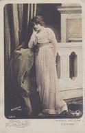 Carte-Postale  France Les Reines De La Mode Mona Delza - Mode