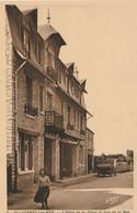 CARTE POSTALE ORIGINALE ANCIENNE : SAINT LAURENT SUR MER HOTEL DE LA PLAGE ET RUE DE LA MER ANIMEE CALVADOS (14) - Autres Communes