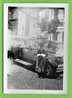 Funchal - REAL PHOTO - Vendedor De Flores Junto Ao Taxi, 1949 - Old Cars - Voitures - Madeira - Portugal - Madeira