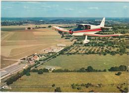 CPM Petit Avion De Tourisme Approchant L'aérodrome De Bernay (27)   Ed CIM - Aerodrome