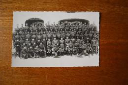 Carte Photo Tirailleurs Sénégalais  Mitrailleurs Compagnie Officiers Et Tirailleurs  Vers 1940 - Documents
