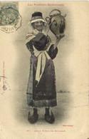 Les Pyrénées Ariegeoises Jeune Femme De Bethmale Labouche Recto Verso - Unclassified