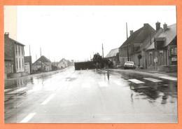 PHOTO ORIGINALE - ACCIDENT DE VOITURE OPEL (?) - PANNEAU MICHELIN SANTILLY Et ESSO 1 KM - Automobiles