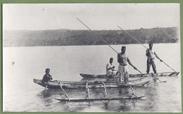 CARTE PHOTO Rare  - SALOMON - MALO ISLAND - CANOÉS - Belle Animation - édition T.J. Mac Mahon (121) - Solomon Islands