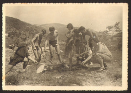 Group Men Guys And Women Girls Making Grill Old Photo 15x10 Cm #33898 - Anonyme Personen