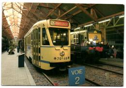 Musée Du Chemin De Fer De Treignes - Intérieur Du Hall Du Musée Motrice De Tramway 7048 Ex-STIB Et Locomotive BB 12120 E - Viroinval