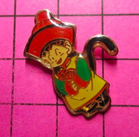 710e Pin's Pins / Beau Et Rare / THEME : JEUX / JEU SUR CONSOLE ATARI NINTENDO SEGA PERSONNAGE AVEC UNE QUEUE NOIRE - Casinos