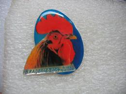 Pin's Coq, Poules, Braderie 2004 De Biel Bienne En Suisse - Animals