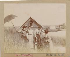Superbe Photo Madame Montas Et Femmes Berck Plage Chien Blessure Dunes Dog - Old (before 1900)