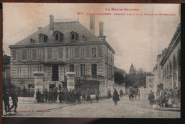 31 - SAINT-GAUDENS - Château Lieux Et La Rue De La République - Saint Gaudens