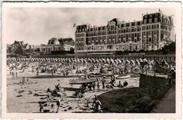 31pg 1O6 DINARD - LA PLAGE - LES HOTELS ET LE CASINO - Dinard