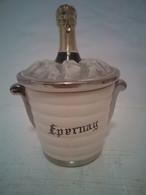 """Pot Couvert En Faïence Figurant Un Sceau A Champagne """"EPERNAY"""" - Altri"""