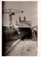 Bateau RIGEL SAINT-NAZAIRE Aout1962 En Réparation Cale Sèche  Photo  12x8cm - Boats