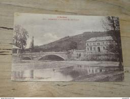 SABARAT : Le Pont Et Les écoles  ................ 201101-1910 - Non Classés