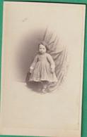 C.D.V. -  Une Fillette - (E.7183) - Old (before 1900)