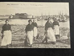 Cpa Finistère, Concarneau , La Ville Close , Un Arrivage De Thons  ,Edition Cecodi D'après 1900 Qualité - Concarneau