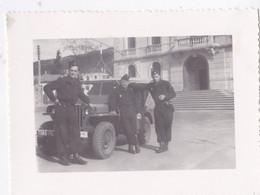 Photo De Particulier Algérie Constantine  Groupe De La  CRS 192 Avec Jeep Willis  Réf 9511 - Places