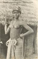 Afrique Occidentale , Jeune Fille Saussai, Femmes Seins Nus , * 355 93 - Ohne Zuordnung