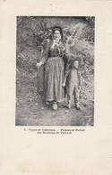 Types Et Costumes.  Femme Et Enfant Des Environs De Tulle - Tulle
