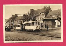 C.P.  Raismes =  Place  :  TRAM Et Salle D' Attente  Du   TRAMWAY - Raismes