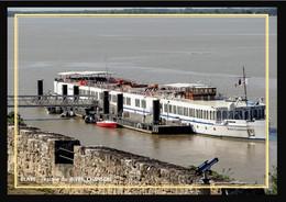 33  BLAYE  .  Lescale Du Bateau A Passager  Le  RIVER  CHANSON - Blaye