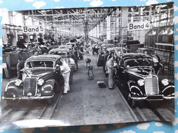 PHOTO CHAINE DE MONTAGE DES VOITURES MERCEDES AUTOS DE LUXE - Coches