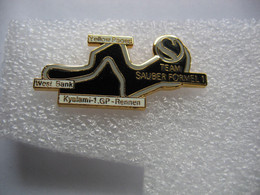 Pin's 1re Course Grand Prix En Formule 1 De La Team SAUBER Sur Le Grand Circuit Du KYALAMI (Afrique Du Sud) - F1