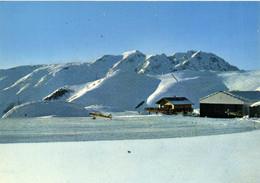 CPSM  Grand Format Aérodrome De L' Alpe Druez  Avion Au Fond La Chaine De Belledonne Colorisée RV - Aerodromes