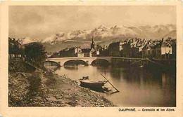 38 - Grenoble - Dauphiné - Grenoble Et Les Alpes - Le Pays Du Pèr'Lustucru Est Aussi Merveilleux Que Ses Pates Sont Exqu - Grenoble