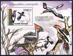 Bloc Sheet  OIseaux  Pics Birds Woopecker  Neuf MNH **  Guine Bissau 2009 - Climbing Birds
