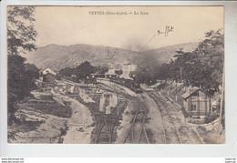 RT30.298   VEYNES. LA GARE.AVEC TRAIN.. HAUTES ALPES.Mme GAMET - Other Municipalities