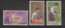 Laos 1957 Musiciens PA 24-26 3 Val ** MNH - Laos